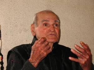 Кметът на Несебър осинови 85-годишен самотен старец